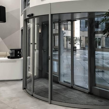 Pintu Otomatis Model 180° Curved Sliding Door